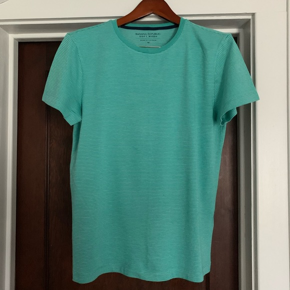 Banana Republic Other - Banana Republic soft wash tee. M. Like new.